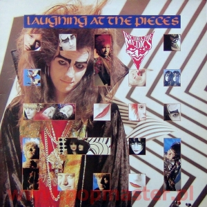 DOCTOR & MEDICS LAUGHING AT THE PIECES  MIRG 1010